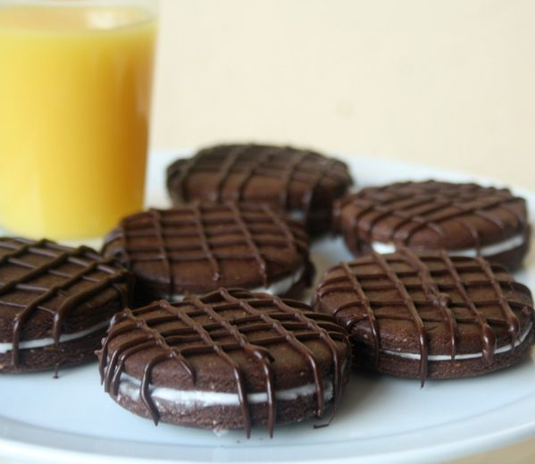 http://a407.idata.over-blog.com/600x519/3/52/23/76/Baba-de-camelo./biscuit-au-chocolat-menthe/Photo-5220.jpg